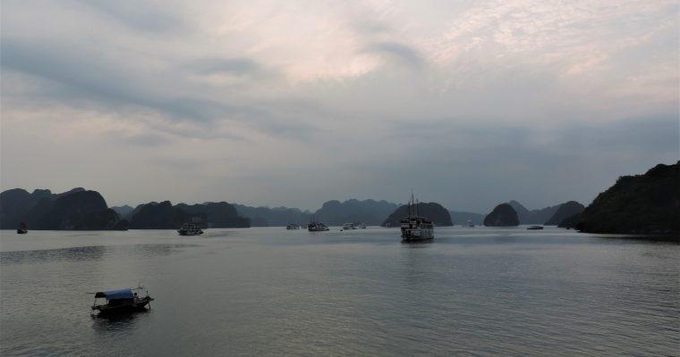 Ha Long Bay – una crociera dal panorama mozzafiato