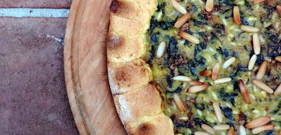 Specialità della Lucchesia – La torta verde co'becchi